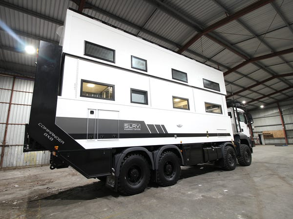 One of the Worlds Largest Mobile Homes, First Look Inside